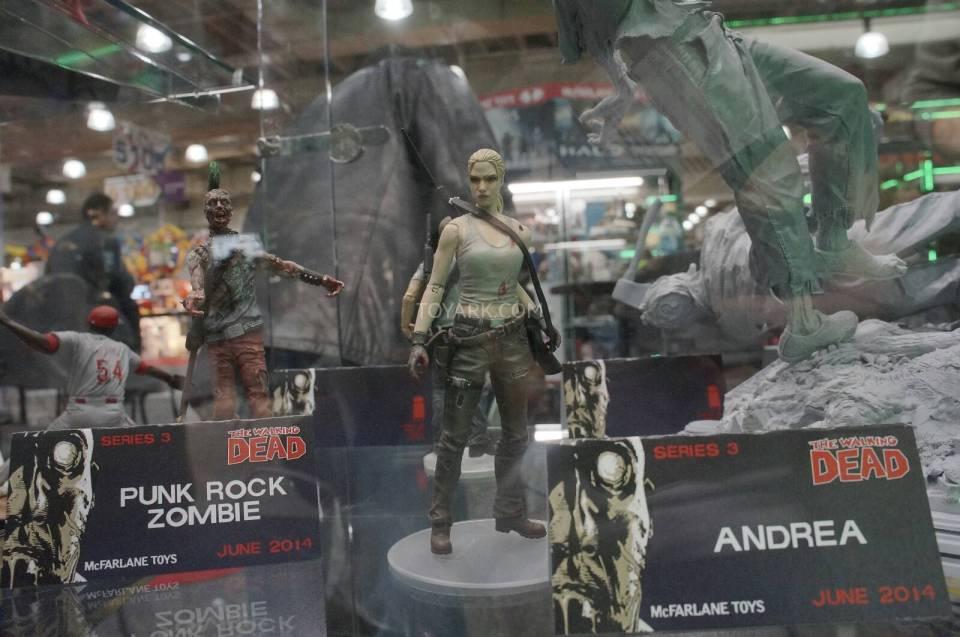 Toy-Fair-2014-McFarlane-Walking-Dead-019