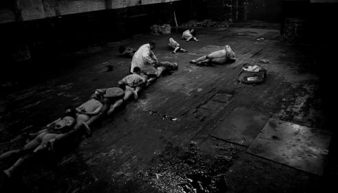 the-human-centipede-2-is-the-film-that-made-me-love-life-325-body-image-1415900601.png