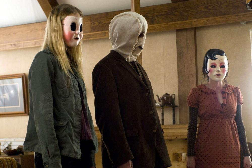 THE STRANGERS, from left: Gemma Ward, Kip Weeks, Laura Margolis, 2008. ©Universal Pictures