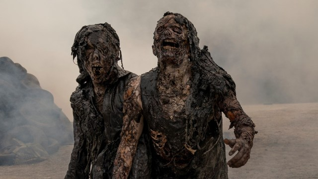 """The Walking Dead: World Beyond"""" Gets Colorful New Poster Art and Nasty New  Zombie Image - Bloody Disgusting"""