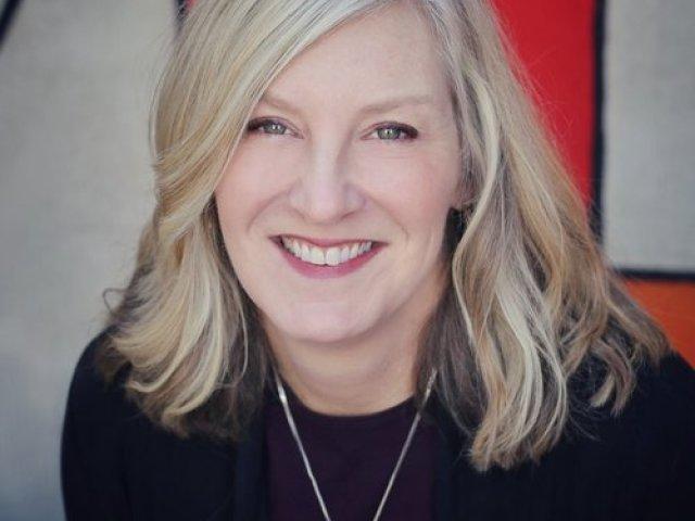 Jennifer L. Knox