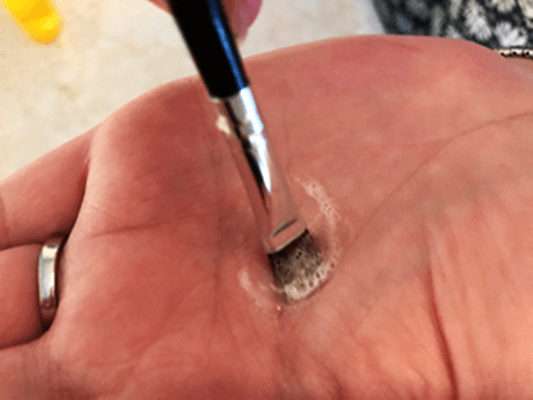 Clean your Make Up Brush