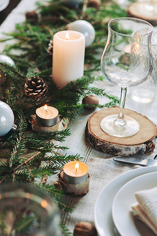 rustic christmas table decoration with natural farmhouse style foliage