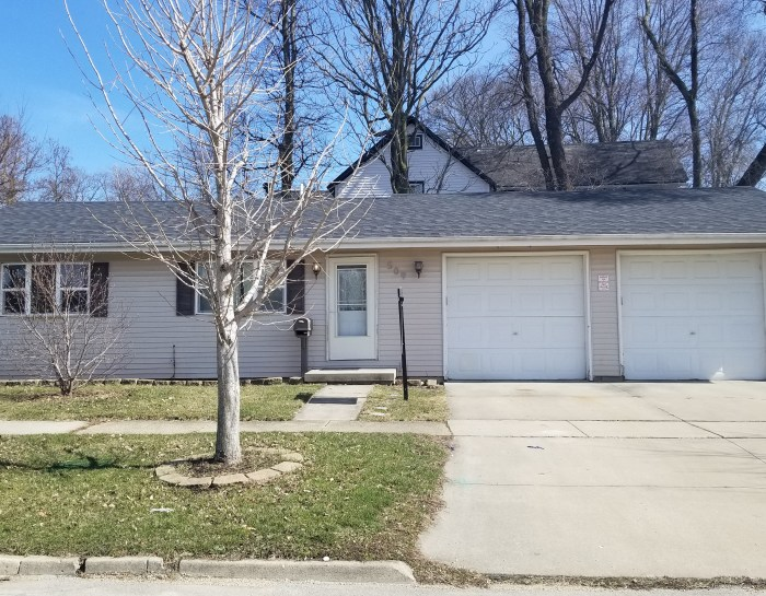 509 Howard St. Bloomington, IL 61701