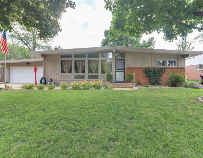 403 Belview, Normal IL 61761