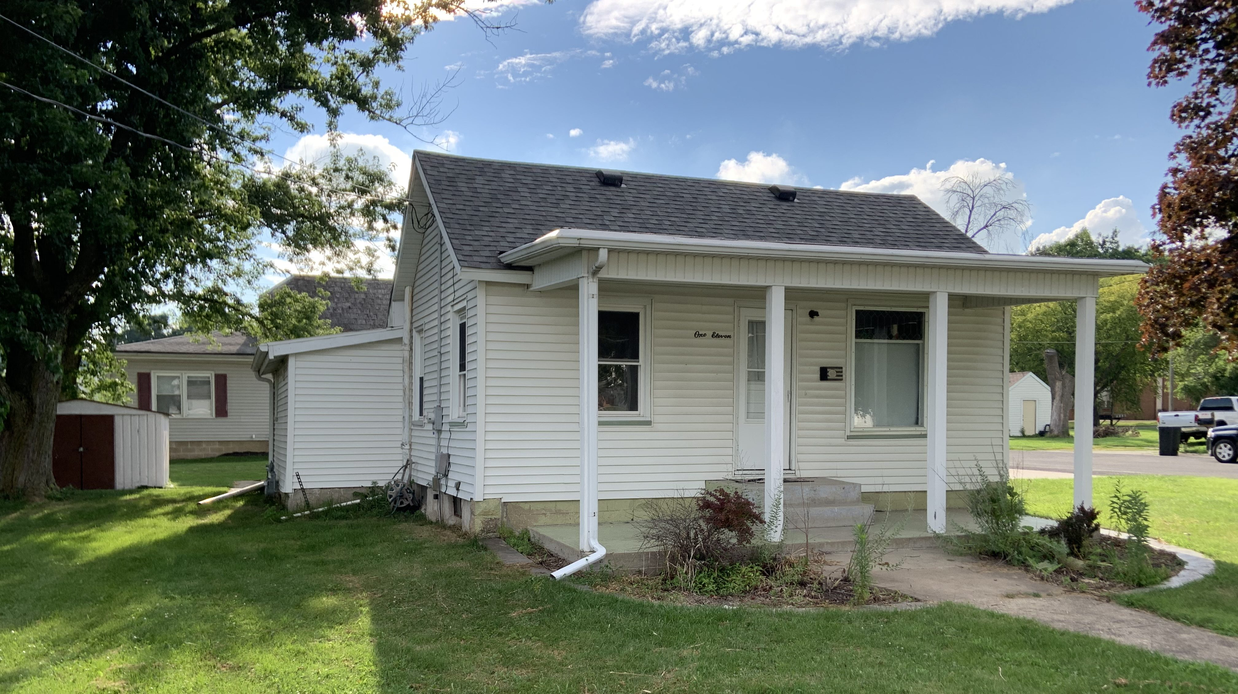 111 N Church St, Roanoke, IL 61561