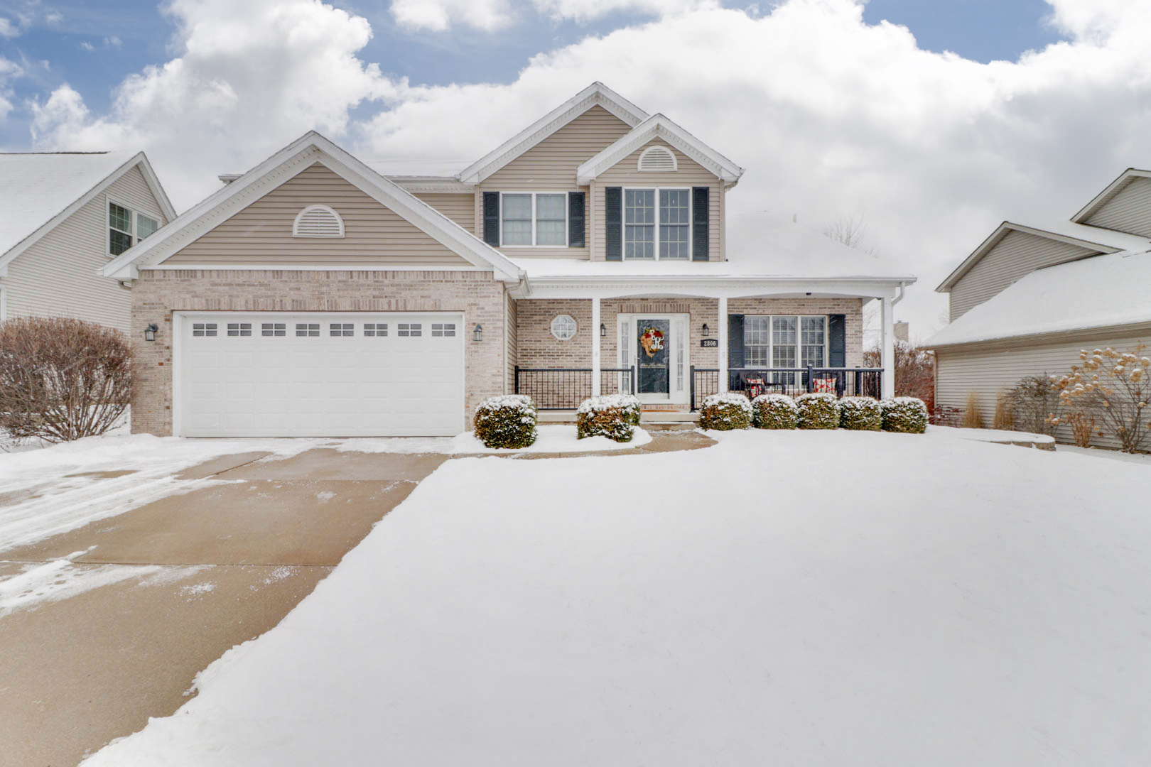 2806 Longmeadow Lane, Bloomington, IL 61704 – UNDER CONTRACT