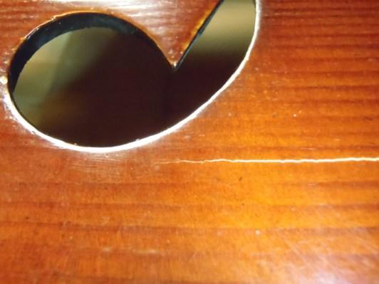 PC160012-cello-crack