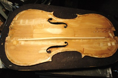 Inside-001-violin-corner-repair