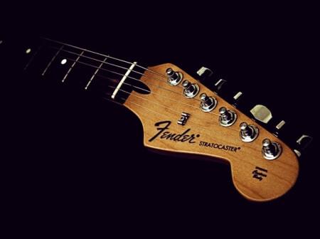 fender stratocaster x ibanez rg: qual a mais versátil? Revista Guitar Player – Fender Stratocaster X Ibanez RG: qual a mais versátil? Fender Stratocaster