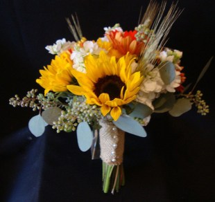 sunflowerwithburlapbouquet