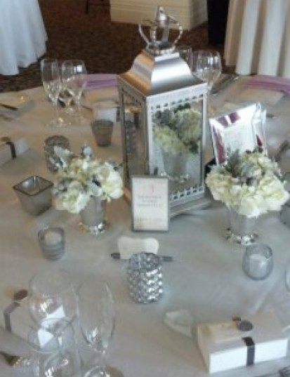 whitewithsilver-tablesets