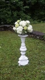 whitewithwhite-pedestle-outsitd
