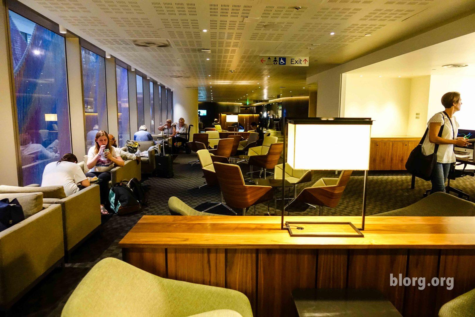 LAX TBIT OneWorld Lounge Review