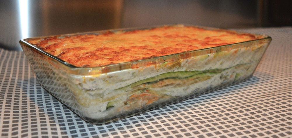 lasagne in glass dish