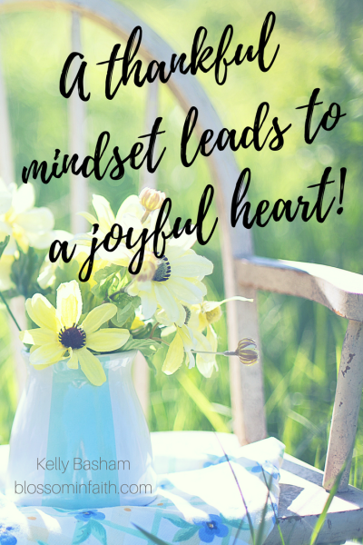A thankful mindset leads to a joyful heart! How to get back to a place of thankfulness and joy.