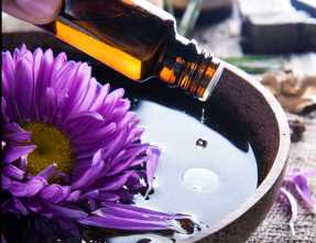bigstock-Aromatherapy-Essential-oil-Spa-125753391
