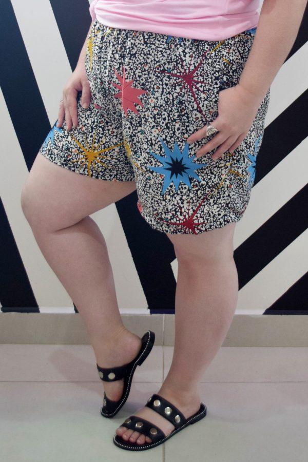 shorts-asterisco-blossoms-plus-size-tamanhos-grandes-3