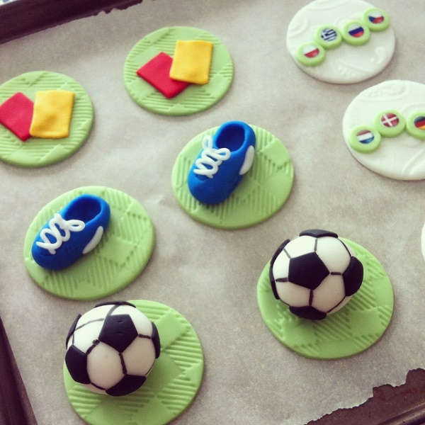 Love these soccer world cup cupcake toppers