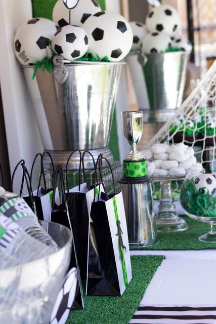 Soccer Banquet Centerpiece Ideas : Soccer ball centerpieces b lovely events