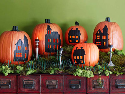 Halloween Pumpkins with painted houses on front!