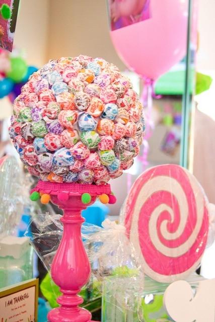 Sucker candy centerpiece