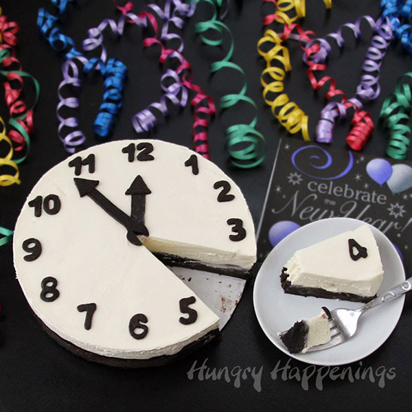 New Years eve clock cheesecake