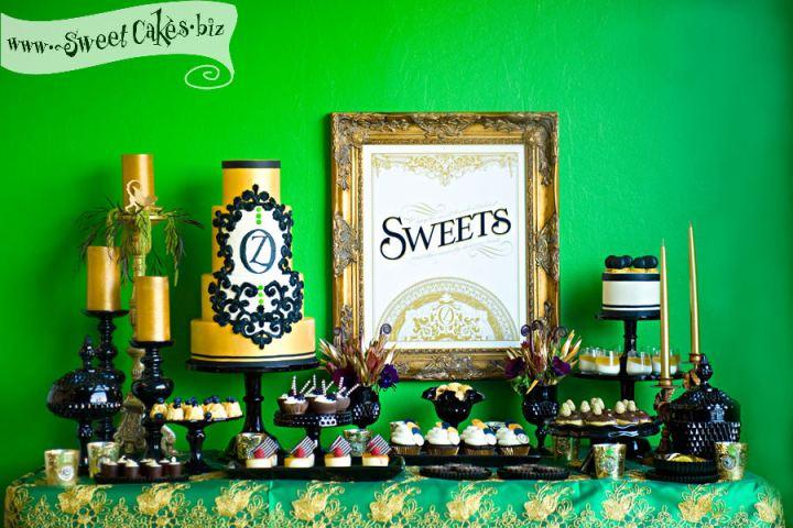 Green and gold dessert bar