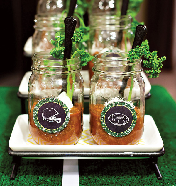 Love these football mason jars for the game!