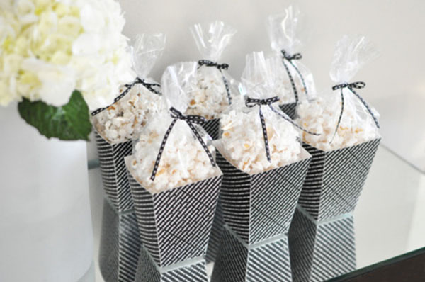 Amazing popcorn favors for an oscar party