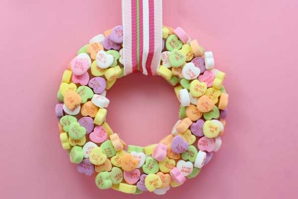 DIY Valentines Candy Wreath