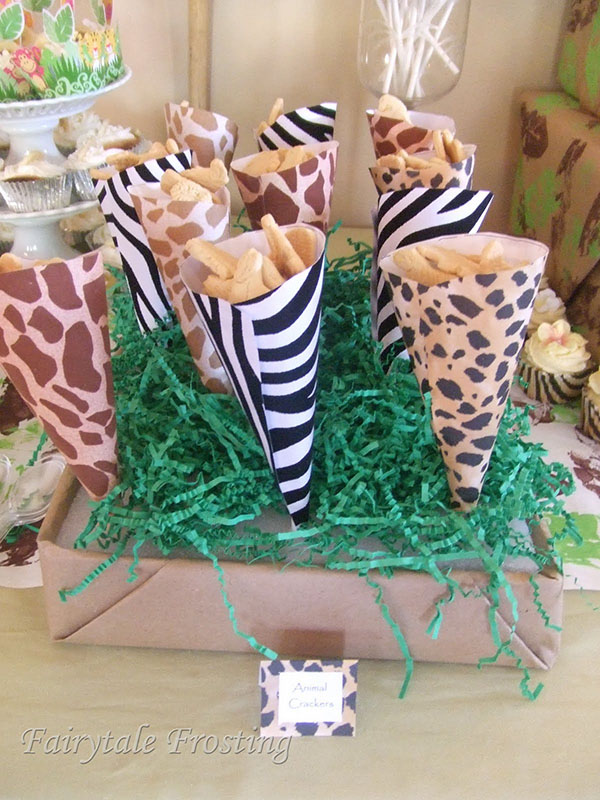 It 39 s a wild time with a boys safari baby shower b for Animal print baby shower decoration ideas