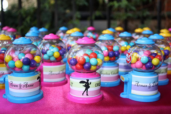 Bubble Gum favor display- B. Lovely Events