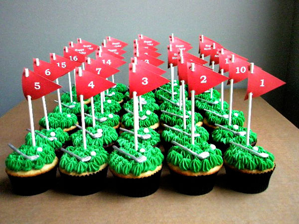 Gosh these golf flags on these cupcakes are amazing and so are the little clubs