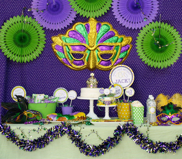Love this Mardi Gras party