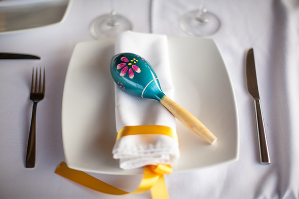 Love this mexican thtmed wedding place setting!