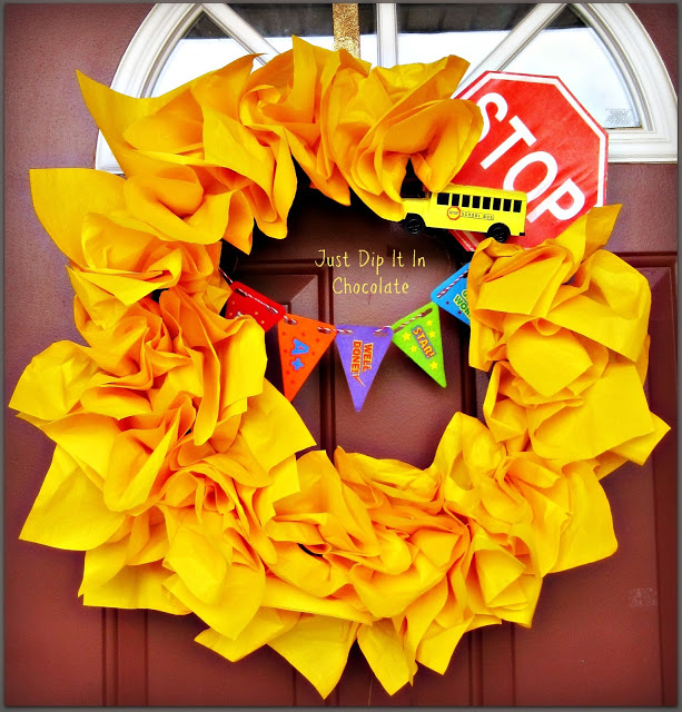 DIY Back To School Wreath!