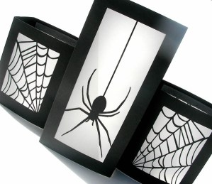 Creepy Crawly Spider Decorations!