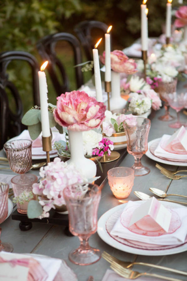 Simple And Pretty Wedding Tablescape