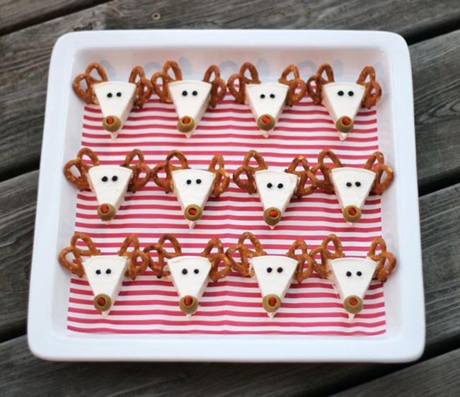DIY Cheese triangle reindeer