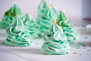 Day 9-Christmas Tree Meringues!