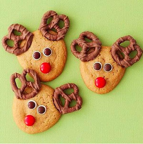 Pretzel Reindeer For Hot Chocolate