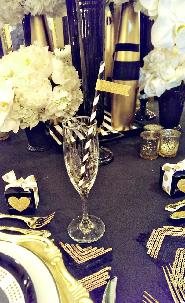 Fun little gold glitter flag straws