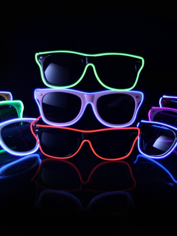 Light-Up-Sunglass-for-a-Glow-In-The-Dark-Party