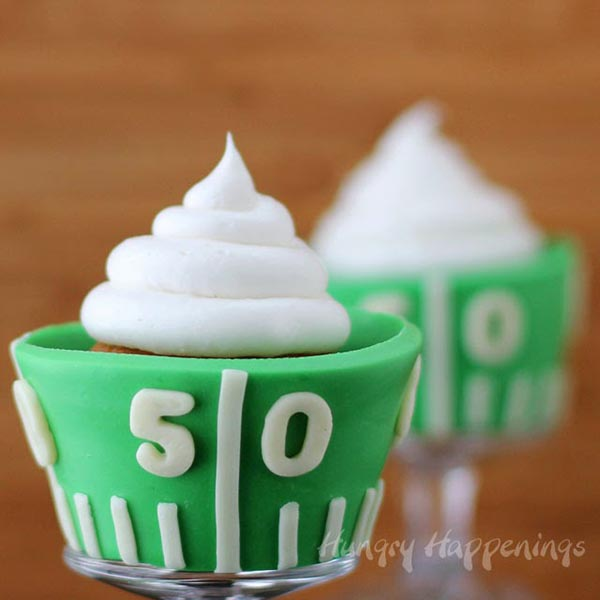 Love these Football field cupcakes!