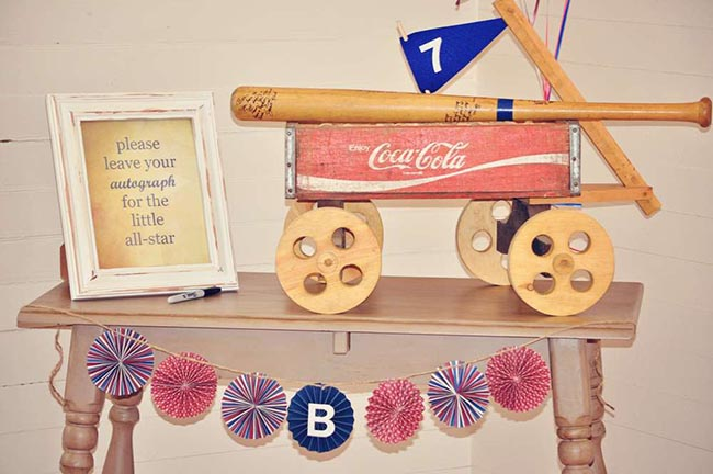 Mini baseball bat party guestbook