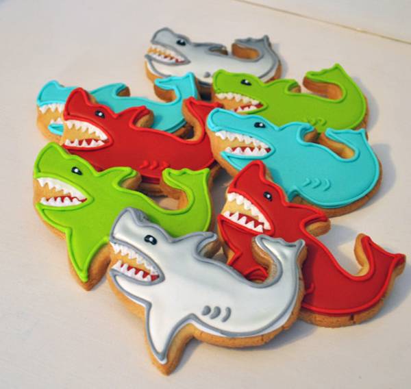 Love these shark cookie for a fun shark party!