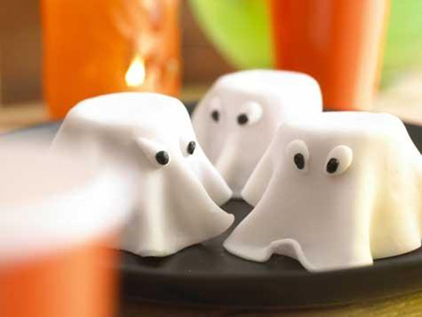 Adorable Mini ghost cakes