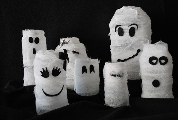 Love These DIY Halloween Ghost Jars