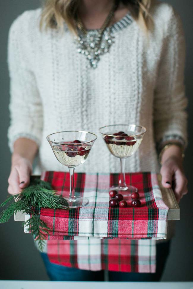 Christmas Drinks- White Cranberry Mimoas